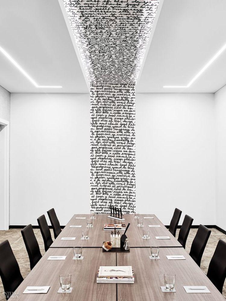 Salle de réunion imaginée par Rottet Studio. Représente l'activité d'administratrice de société de Fabienne Bister